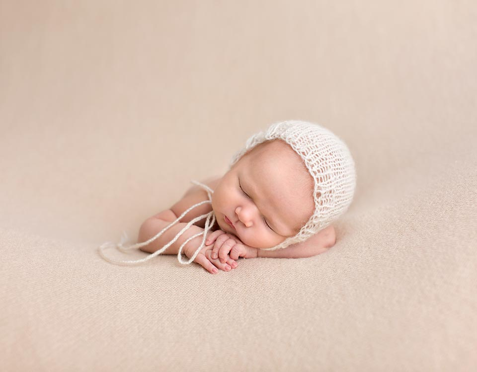 11 day old newborn picture in Keswick Ontario