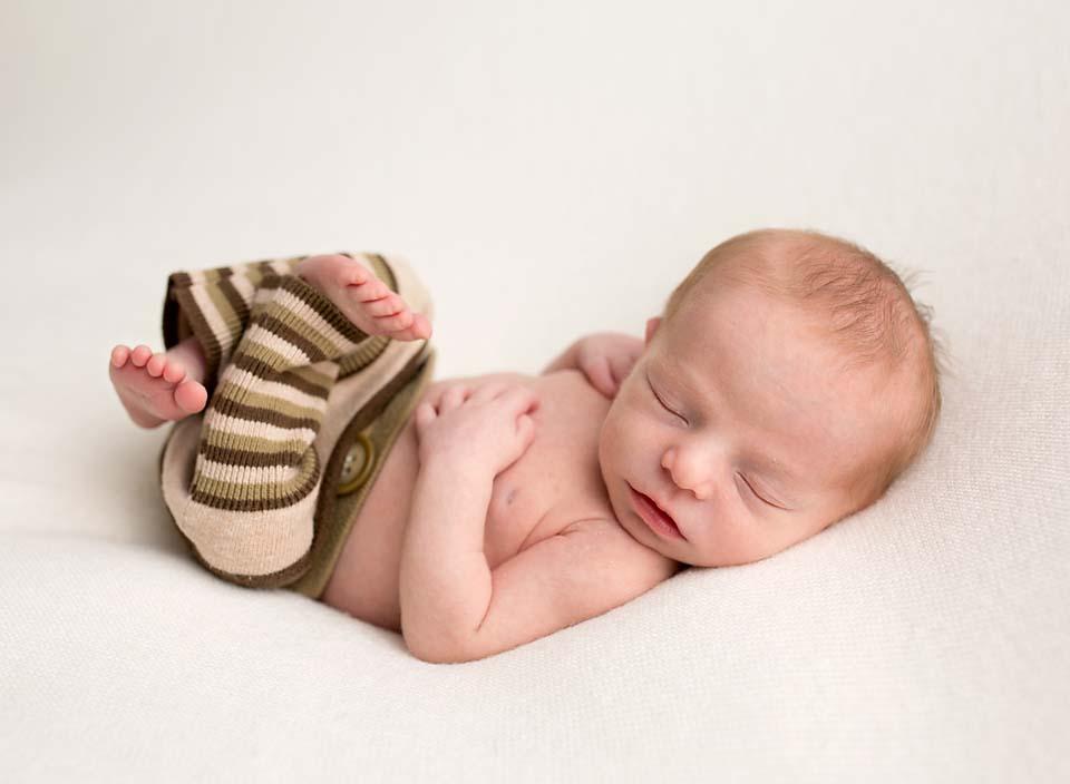Professional baby photographer Lake Simcoe Area