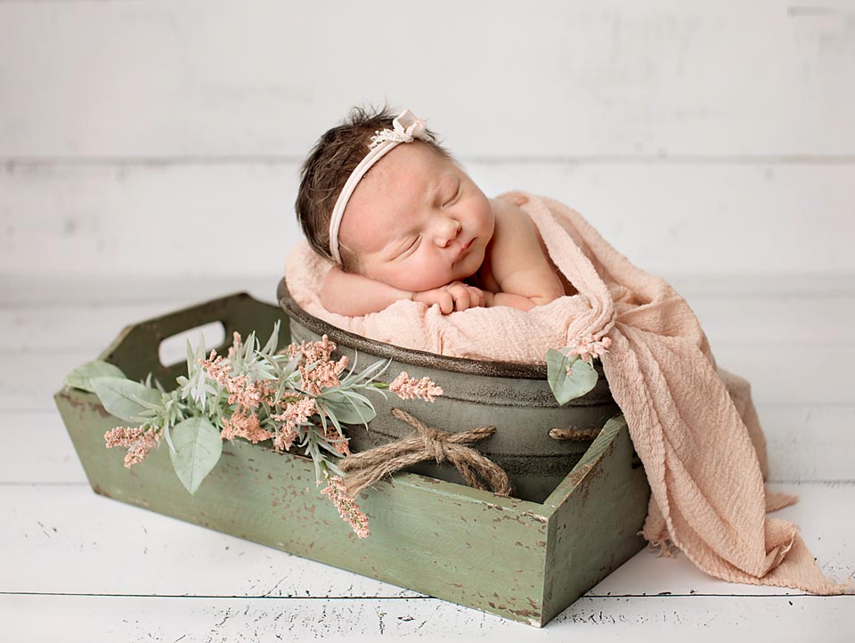 Newborn portrait, Uxbridge Ontario