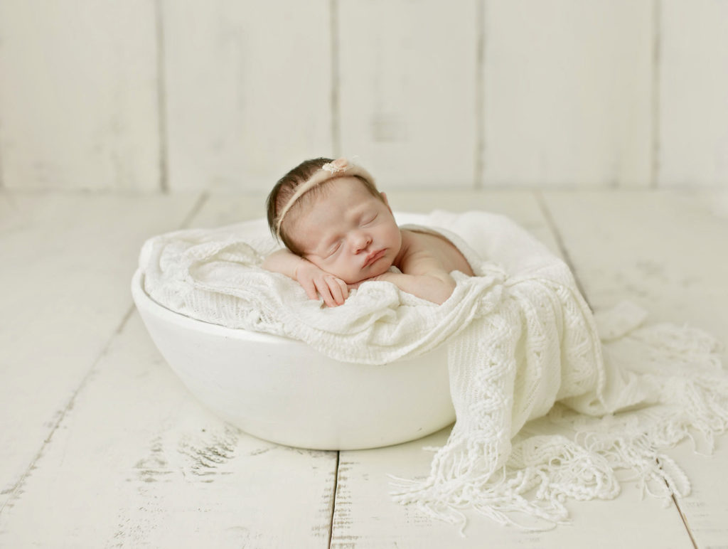 Stouffville area photographer takes great newborn pictures