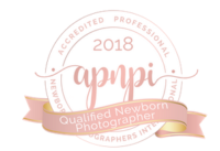 Certified newborn photographer in the GTA